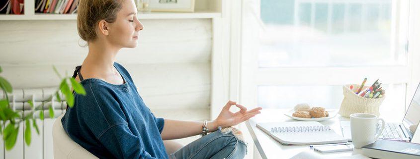 Les bienfaits du yoga sur chaise
